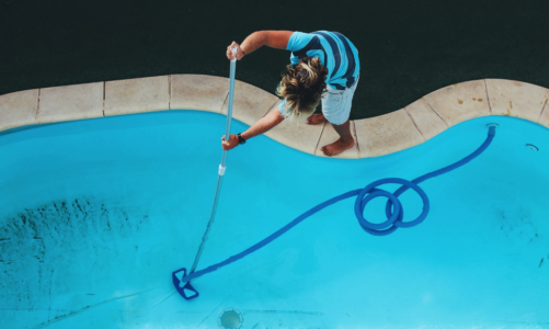 Top 5 Benefits of Hiring a Pool Cleaning Company